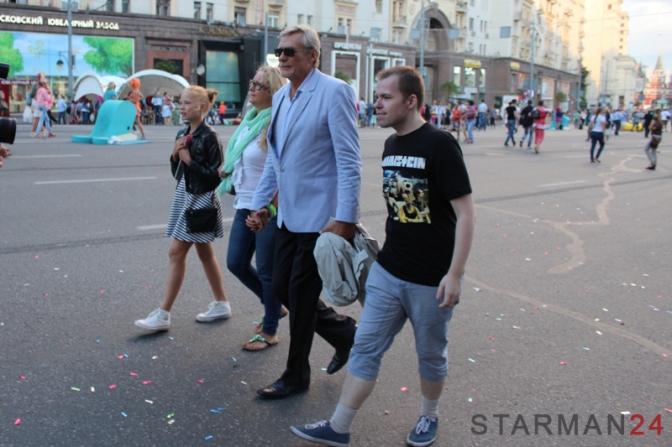 Александр Михайлов не любит фотографироваться