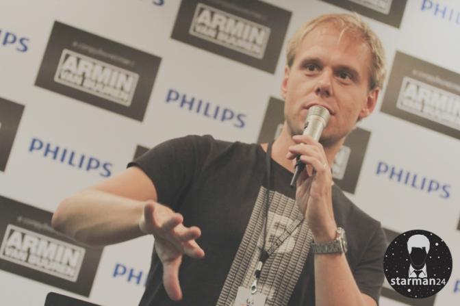 Армин ван Бюрен перед концертом в Москве встретился с журналистами (видео)
