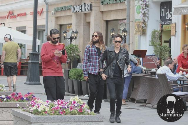 «30 Seconds to Mars» гуляют по Москве