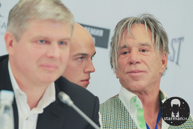 Микки Рурк рассказал в Москве о грядущем поединке