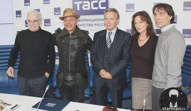 Мировые знаменитости приехали в Москву на благотворительный аукцион