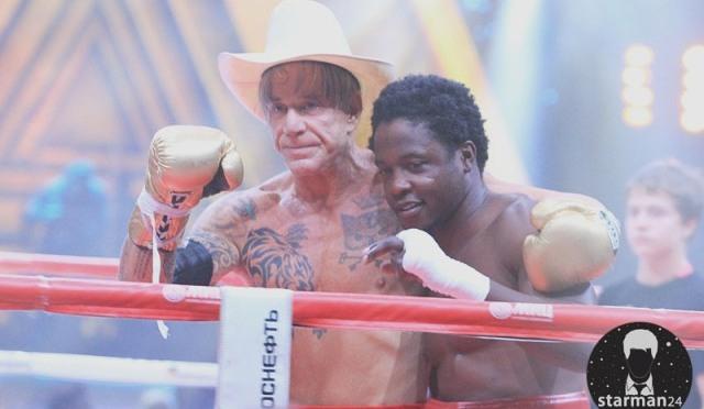 Микки Рурк вернулся на ринг с победой