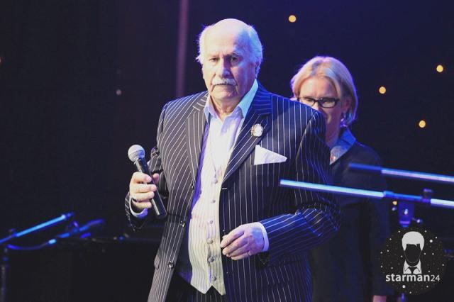 Владимир Зельдин принимает поздравления со 100-летием