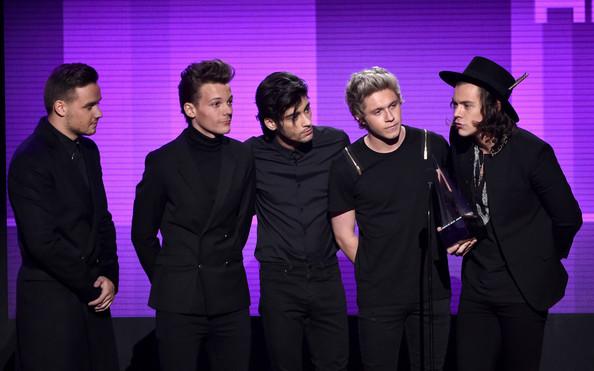 Главную награду American Music Awards получила группа One Direction