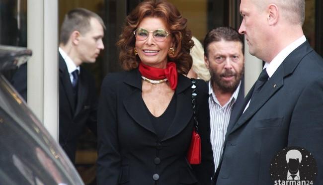 Никас Сафронов «купил» себе на день рождения Софи Лорен