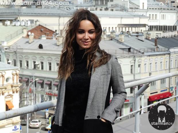 Беренис Марло представила в Москве фильм «С 5 до 7. Время любовников»