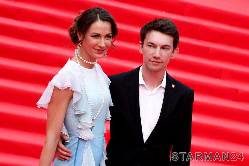 днях актриса кирилл емельянов с женой фото жизни