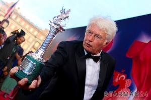 Кинорежиссер Жан-Жак Анно на церемонии закрытия 37 ММКФ
