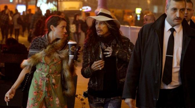Стивен Тайлер гуляет по ночной Москве