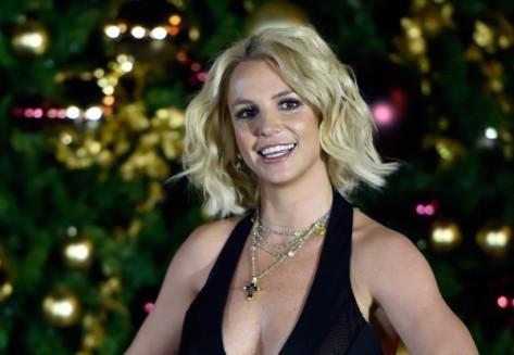 Britney+Spears+Britney+Spears+Hosts+Christmas+yeQ6HJN737bl