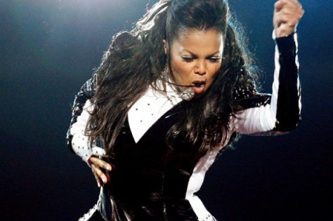 janet-jackson-on-stage1
