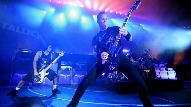 «Metallica» выпустит альбом в память о жертвах терактов