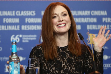 Julianne+Moore+Maggie+Plan+Press+Conference+14NVxBzAumyl