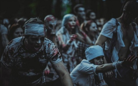 Zombie Walk / Photo by Franki Sickness)