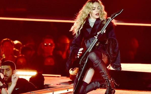 Мадонне могут запретить въезд на Филиппины