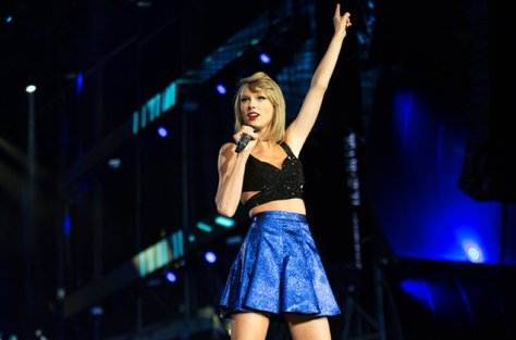 taylor-swift-performing-rock-in-rio-usa-vegas-2015-alivecoverage-billboard-650