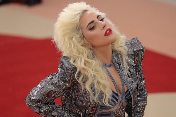 Леди Гага споет новые песни в мюзикле Брэдли Купера