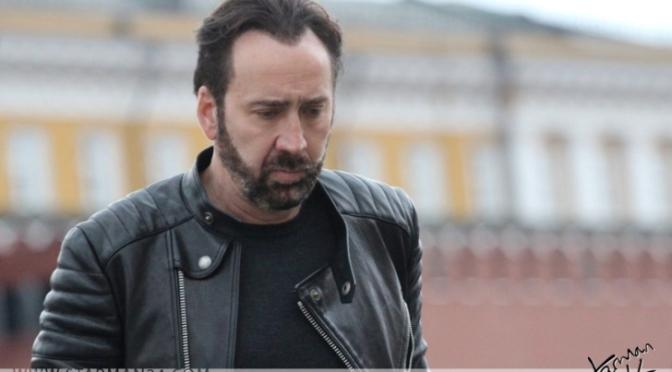 Николаса Кейджа на Красной площади окружили поклонники