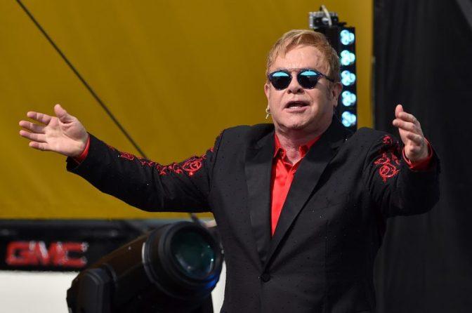 Элтон Джон выступит в Москве с программой «Wonderful Crazy Night Tour»