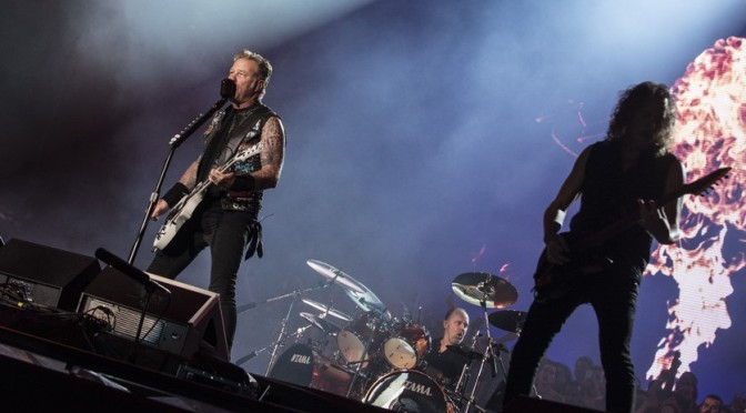 «Metallica» хочет выступить в космосе