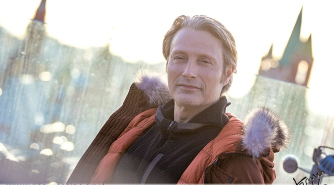 Мадс Миккельсен снялся в рекламном ролике Carlsberg