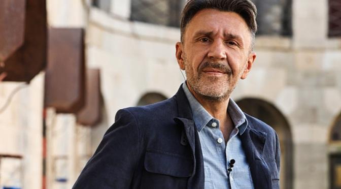 Сергей Шнуров стал ведущим телеигры «Форт Боярд»