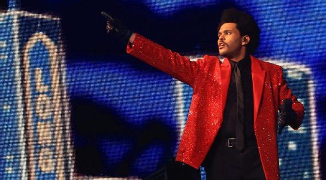 Weeknd дал мини-концерт в перерыве Super Bowl